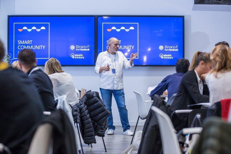 L'aula dello Smart Community Lab a Binario F Roma